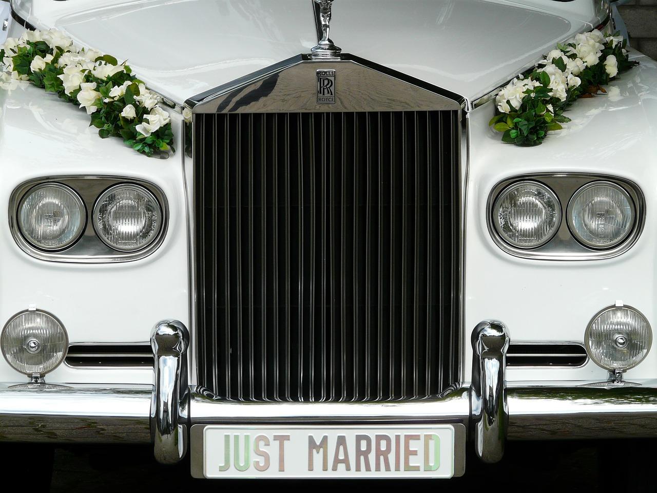 A czym do ślubu?  Klasycznie, nowocześnie, a może w rustykalnym klimacie?