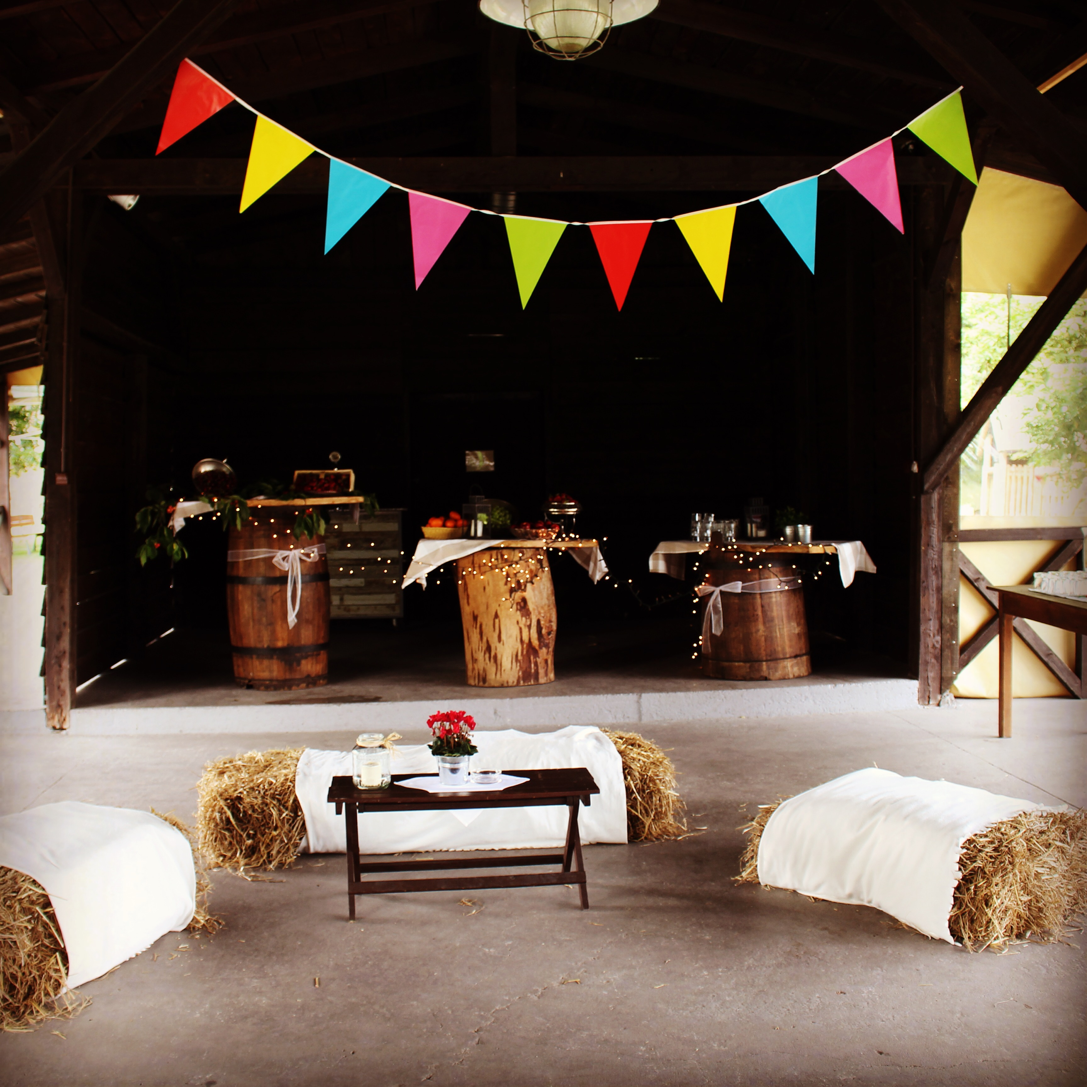 Rustykalny styl nadaje sielską i przyjemną atmosferę :)